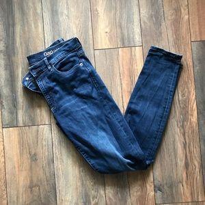Gap skinny jeans size 30r in dark wash